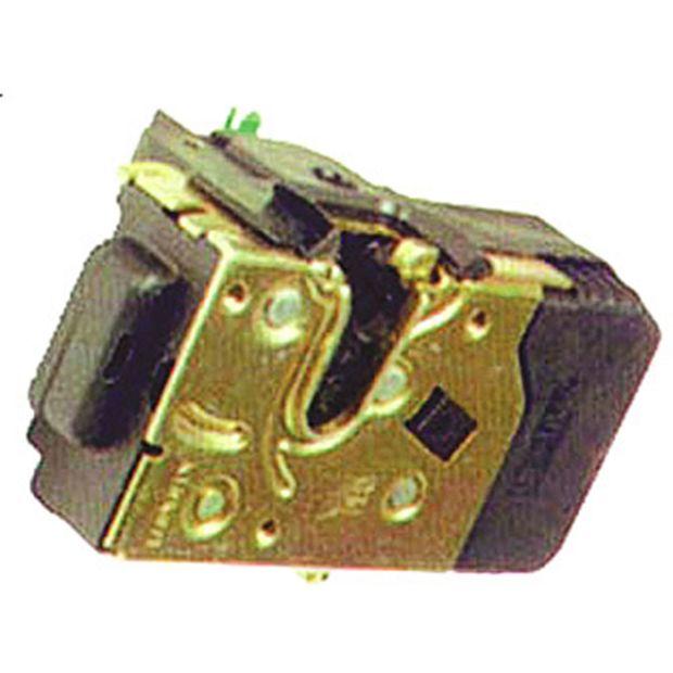 UN40520